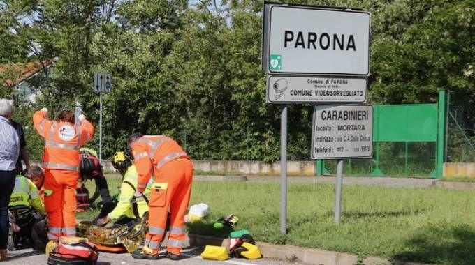 Gli operatori del 118 a Parona