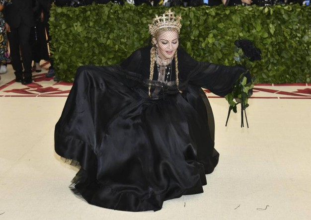 Madonna con abito di Jean Paul Gaultier (Ansa)