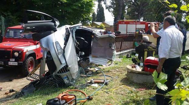 L'incidente a Linaro, in via Punta (Isolapress)