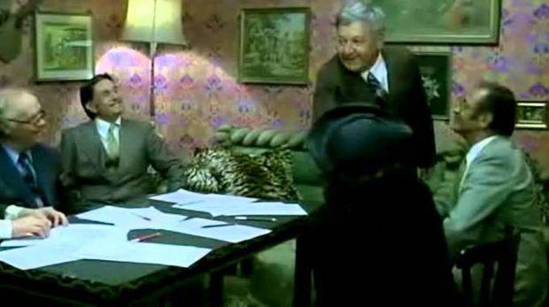 Riunione condominiale in casa del ragionier Ugo Fantozzi, scena cult del cinema italiano