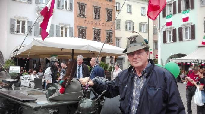 Atti di vandalismo contro l'adunata degli alpini a Trento (Ansa)