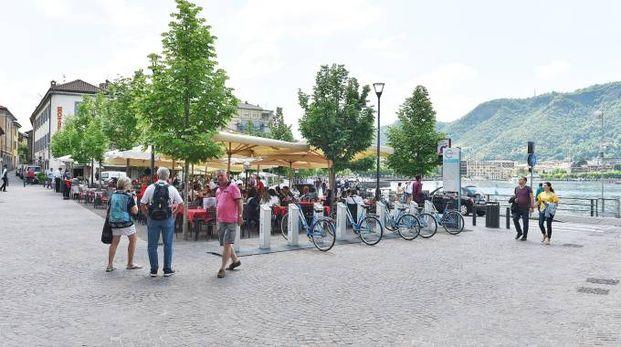 Locali in piazza De Gasperi