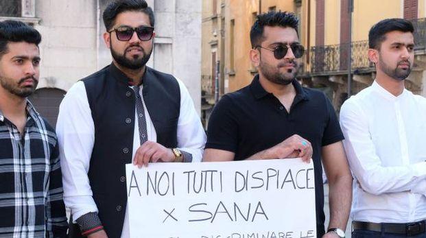 Una manifestazione per Sana uccisa dal padre