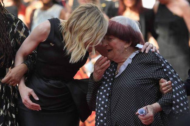 Cate Blanchett con la regista francese Agnes Varda (Lapresse)