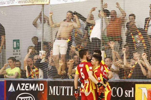 La gara-1 della finale scudetto tra Forte dei Marmi e Lodi (foto Aldo Umicini)