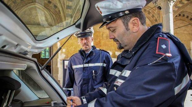 Polizia municipale (foto Germogli)