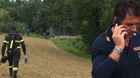 Cadavere in un laghetto a Macerata, polizia e vigili del fuoco sul posto