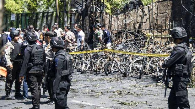 Una foto delle macerie dopo i tre attentati kamikaze