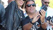 Aida Yespica con i fan