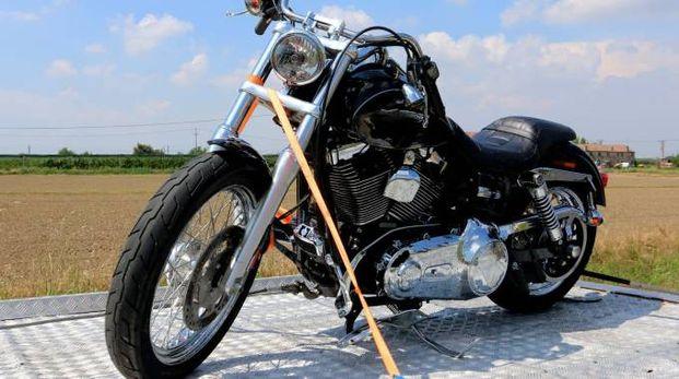 La moto coinvolta nell'incidente (Foto Donzelli)