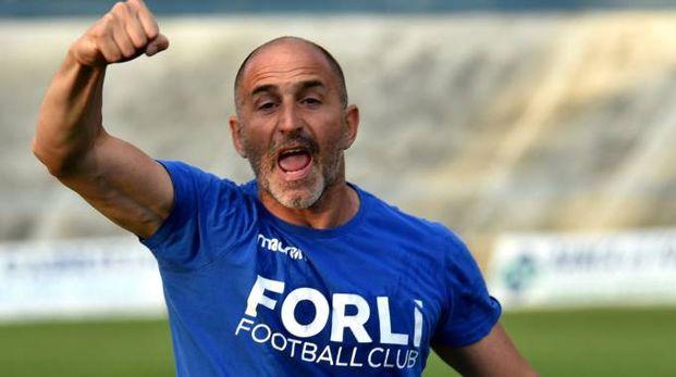 Il 'Cobra' Dario Bettini esulta a fine partita (foto Riccardo Fantini)