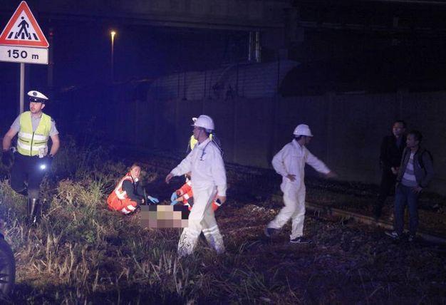 Tragico incidente in via Baiona, i soccorsi (foto Corelli)