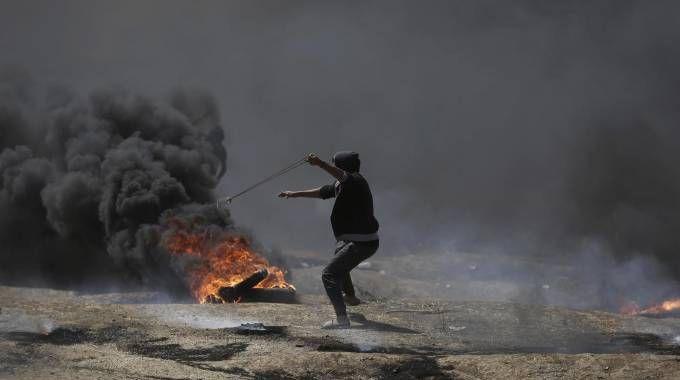 Violenti scontri a Gaza (Ansa)