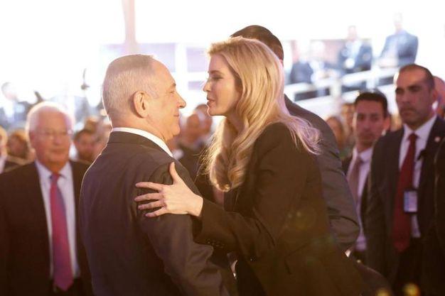Ivanka Trump e il presidente israeliano Benjamin Netanyahu all'inaugurazione dell'ambasciata Usa a Gerusalemme (Ansa)