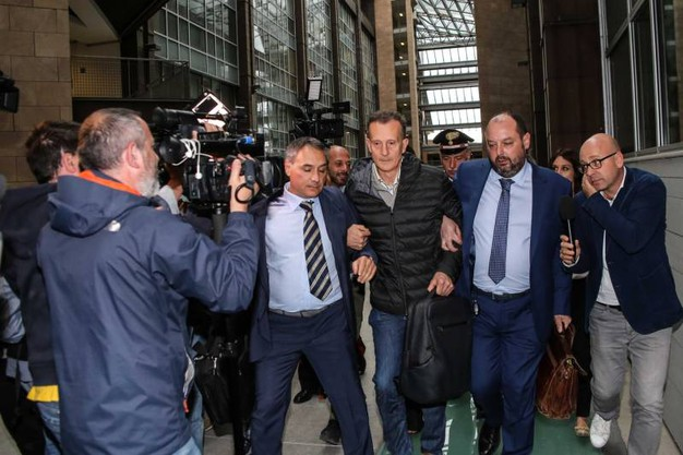 Caso Ragusa, Antonio Logli lascia il Palazzo di giustizia di Firenze dopo la conferma della condanna a 20 anni per omicidio (New Press Photo)