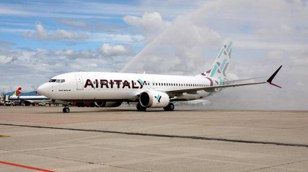 Un velivolo Air Italy sulla pista di Malpensa