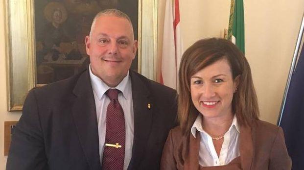 Il sindaco di Grosseto, Vivarelli Colonna, con l'assessore Chiara Veltroni