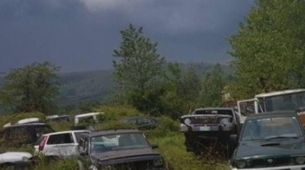 Ecco un'immagine di una delle aree dove i carabinieri hanno trovato macchine abbandonate