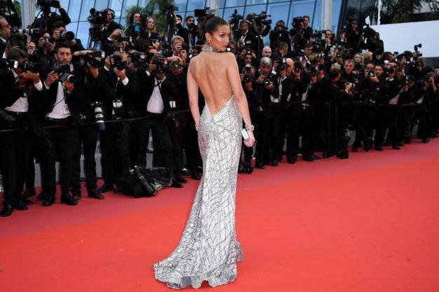 Bella Hadid al Fesatival di Cannes (Ansa)