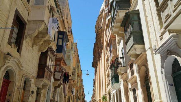 Gallarijas - balconi chiusi e colorati