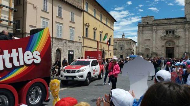 La Carovana del Giro d'Italia in piazza Arringo