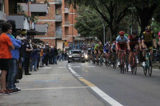 Il Giro d'Italia 2018 passa in piazza Arringo ad Ascoli (Foto Labolognese)