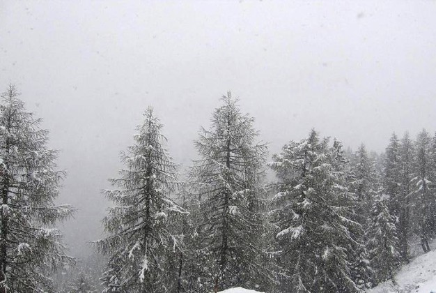 Nevicate di maggio sulle Dolomiti. Nella foto la Croda bianca (Ansa)