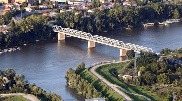 Il ponte ferroviario sul quale passeranno i convogli potenziati