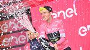 Simon Yates conserva la maglia rosa (Lapresse)