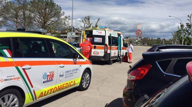 Porto Sant'Elpidio, i soccorsi al motociclista ferito (foto Colibazzi)