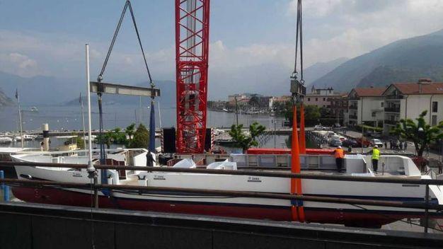 Dai cantieri Nautici di Dolo in provincia di Venezia, sono arrivate a Iseo le parti della motonave Predore, il primo battello ibrido dei laghi italiani