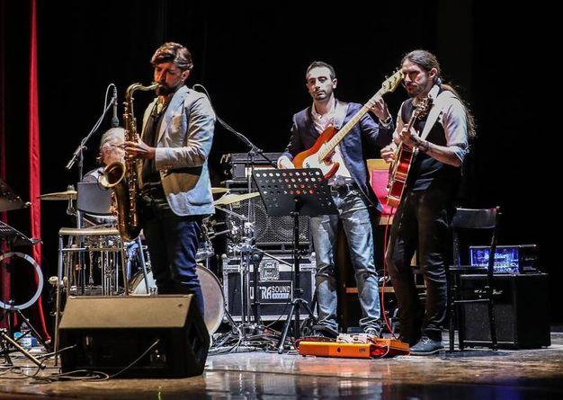 La band 'I benefattori' sul palco (Fotoprint)