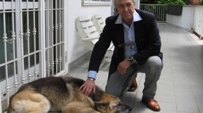 Sergio Bramini con la sua lupa Paris, 16 anni
