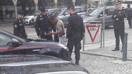 I controlli dei carabinieri in stazione