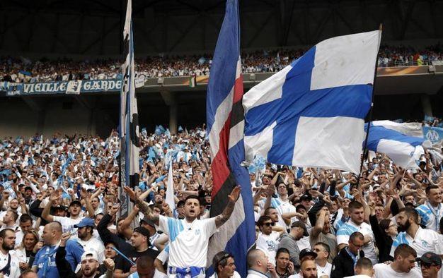 Supporter dell'Olympique Marsiglia allo stadio (AnsaAp)