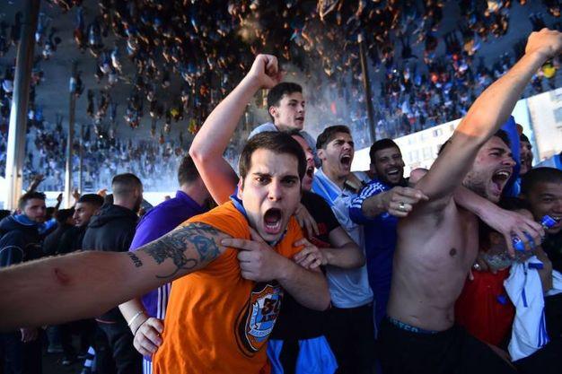 I tifosi in piazza a Marsiglia (Afp)