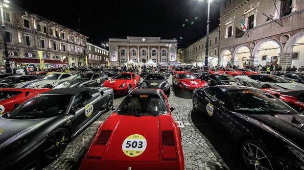 Cento Ferrari in piazza del Popolo (Fotoprint)