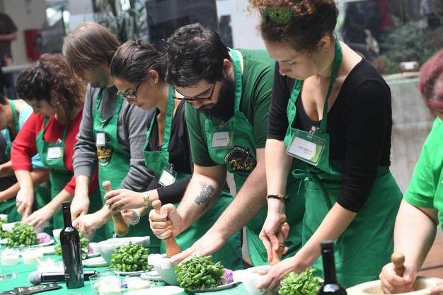 A Fico si celebra l'arte del pesto (FotoSchicchi)
