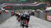 La pioggia non spegne la festa all'Autodromo di Imola (foto Isolapress)