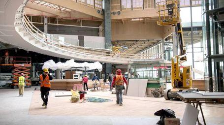 L'interno del cantiere al nuovo centro commerciale di Cormano