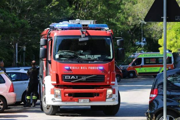 I rilievi e le indagini sul luogo della tragedia (Foto Valtriani)
