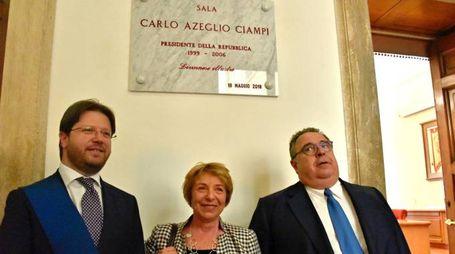 Il presidente della Provincia Franchi con Gabriella e Claudio Ciampi