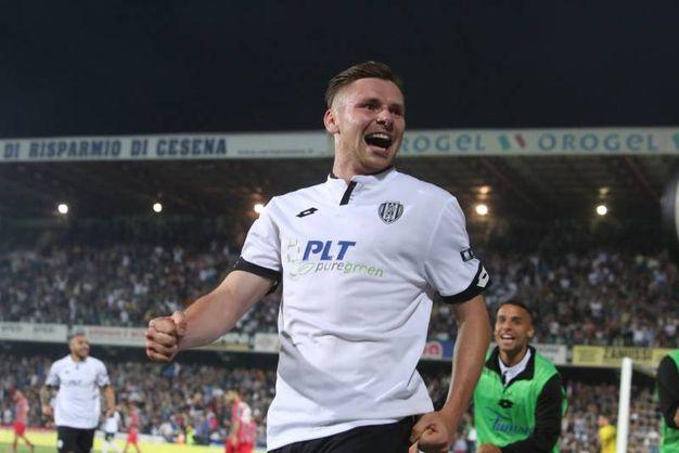 La gioia di Kupisz dopo il gol  (foto Ravaglia)