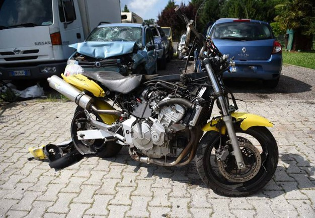 Il giovane, 27 anni, ha perso il controllo della sua moto (BusinessPress)