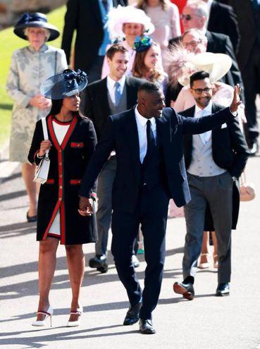 L'attore Idris Elba con Sabrina Dhowre (Ansa)
