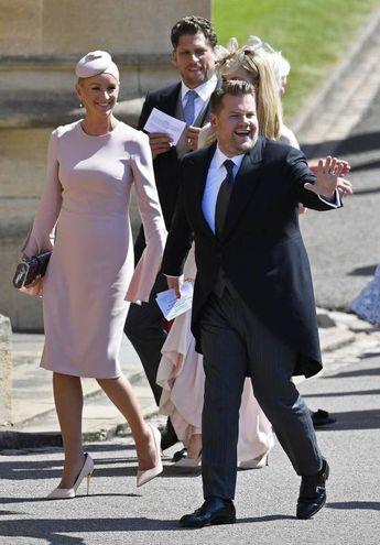 L'attore e conduttore del 'Late Late show' James Corden con la moglie Julia Carey (Ansa)