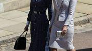 Le attrici Abigail Leigh Spencer, anche  lei collega di Meghan in 'Suits', e Priyanka Chopra (Lapresse)