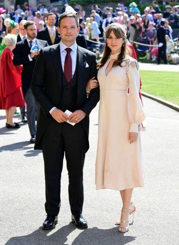 L'attore Patrick J. Adams, anche lui protagonista della serie tv 'Suits', con la moglie Troian Bellisario (Lapresse)