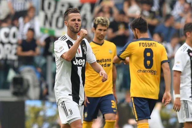 Juventus-Verona 2-0, Pjanic (Lapresse)