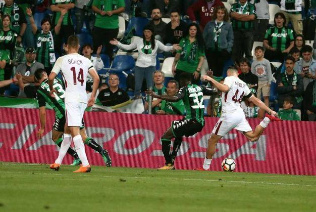Sassuolo-Roma 0-1, autorete di Pegolo su tiro di Manolas (Ansa)